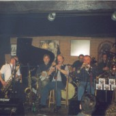 Classic Jazz Collegium tocando no escenario