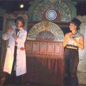 Latirili actuando no escenario